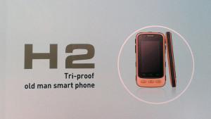 old-man-smartphone